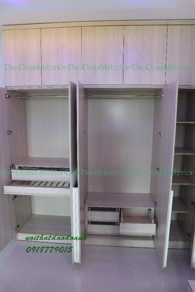 Tủ áo âm tường cửa mở 5 cánh,kt  2200 x 600 x 2800mm